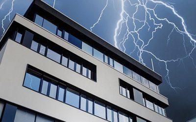 Per i condomini è arrivato il nuovo aggiornamento sulla valutazione del rischio fulminazione da scariche atmosferiche