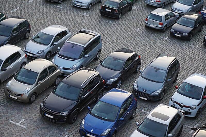 Incidenti auto in aree condominiali non aperte al traffico